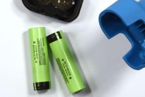 Spare Set of Batteries for Dosing Gun