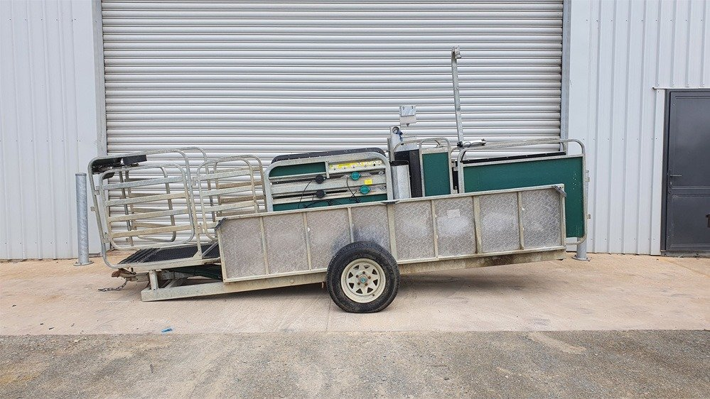 Used Racewell HD3 Sheep Handler Trailer System